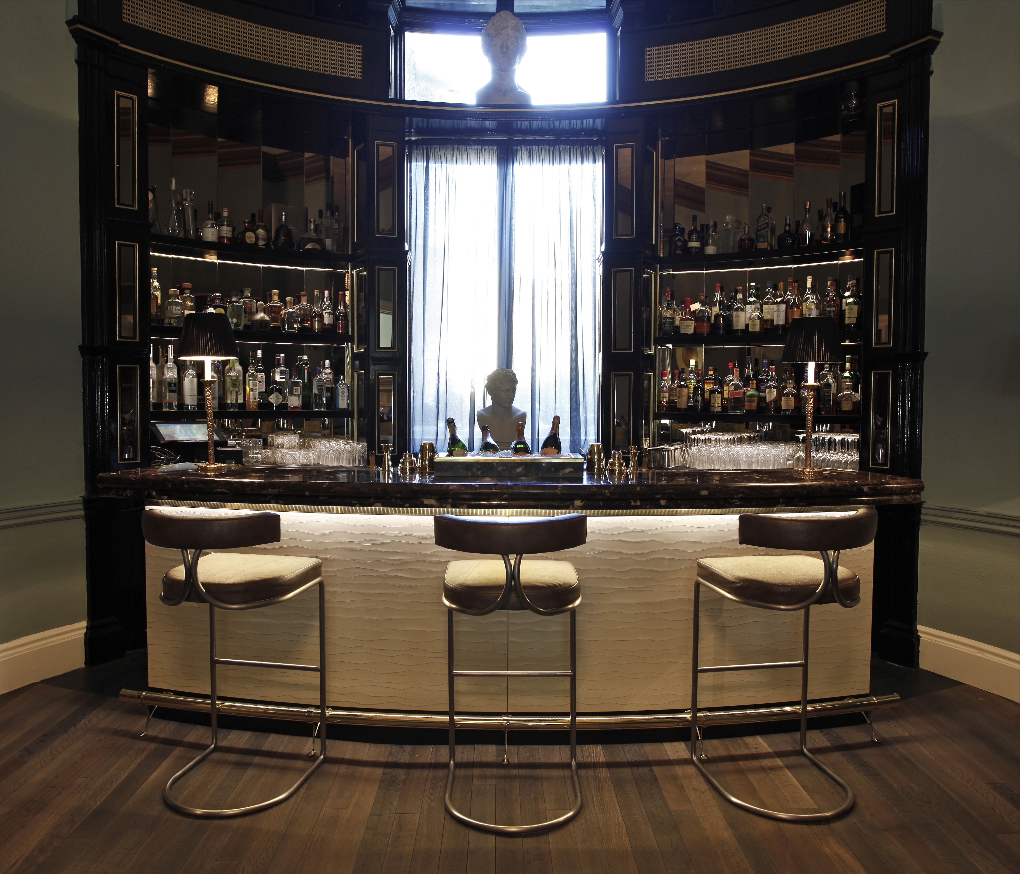 Stunning awesome home bars pics design ideas dievoon - Awesome home bar ...